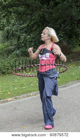 Woman raising money for cancer research