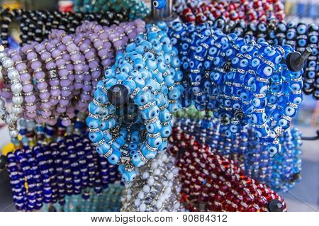 selling jewelry bracelets with Nazar amulet on the market