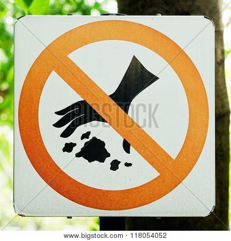 no throwing garbage warning sign for background