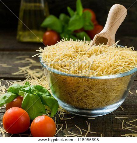 Dry Pasta Vermicelli, Cherry Tomatoes, Basil, Oil