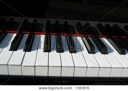 Piano Keyboard Straight