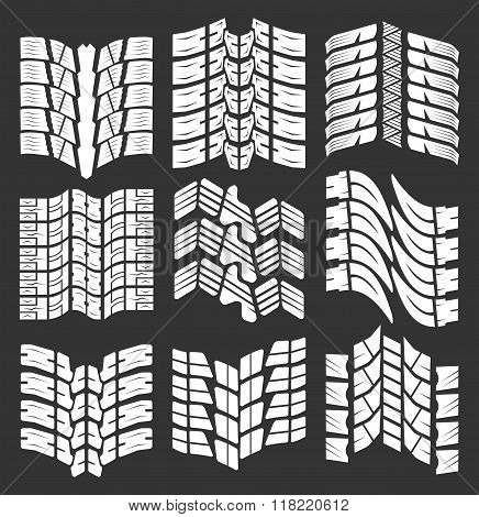 Set of tire tracks