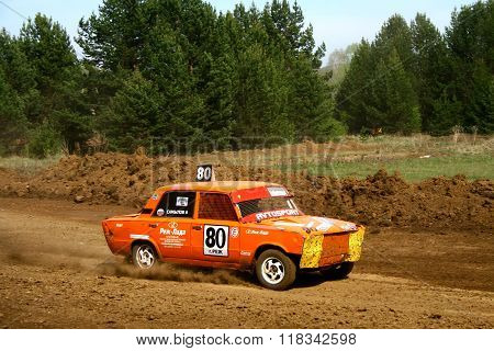 ZLATOUST, RUSSIA - MAY 15: Anton Samylov's buggy (No. 80) competes at the annual auto cross racing Championship of Chelyabinsk region on May 15, 2010 in Zlatoust, Chelyabinsk region, Russia.