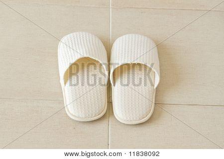 Spa white shoes