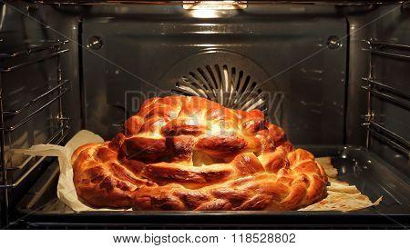 Preparing baking basket from dough