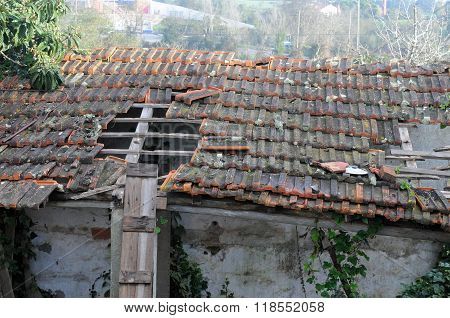 Dilapidated house roof