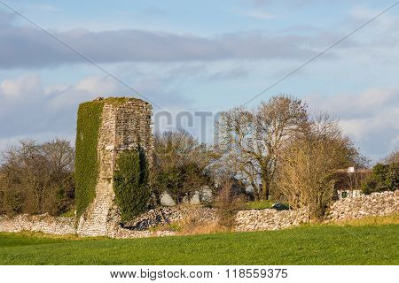 Cloughanover Castle