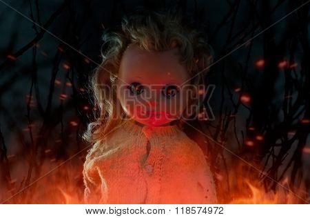 Horror doll photo.