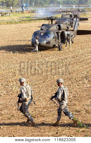Us Soldiers Helicopters