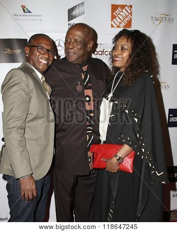 LOS ANGELES - FEB 10:  Tommy Davidson, Lou Gossett Jr, fiance at the African American Film Critics Association 7th Annual Awards at the Taglyan Complex on February 10, 2016 in Los Angeles, CA