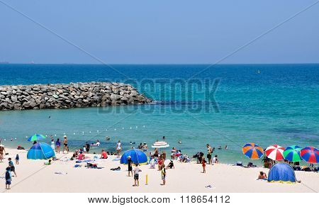 Groyne and Turquoise Waters: Cottesloe Beach