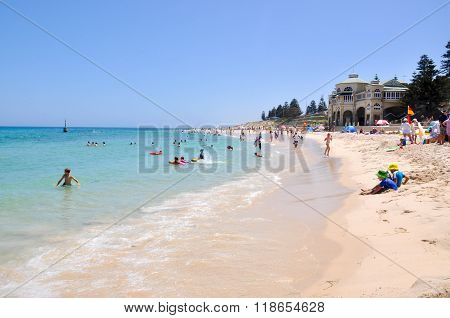 Recreation at Cottesloe Beach