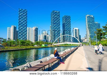 Songdo Central Park is the green space planinspired by NYC.