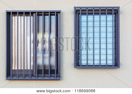 Glass Louver Windows With Wall.