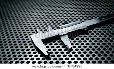 Vernier caliper with highlights