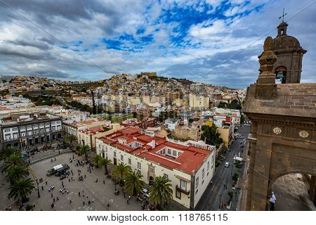 Panoramic view of Las Palmas de Gran Canaria on a beautiful day, view from the Cathedral of Santa An