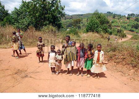 The Children Of Kilolo Mountain In Tanzania - Africa 22