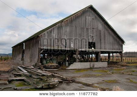 Old Barn in Edison