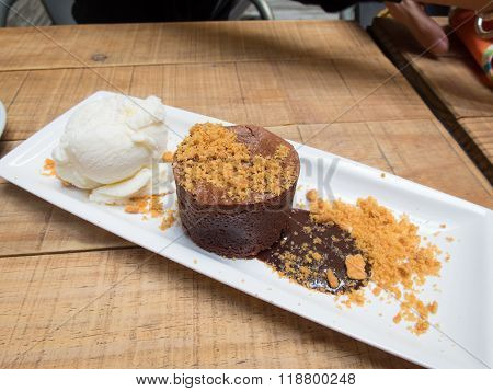 Coulant Chocolate With Ice Cream Ball