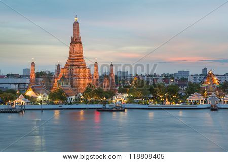 Twilight of Arun temple water front