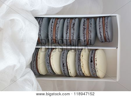 Macarons with chocolate