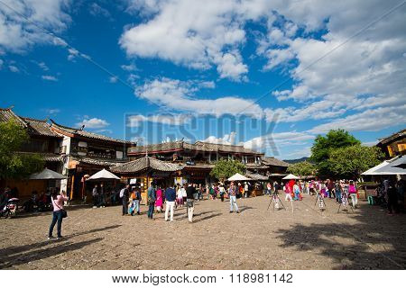 LIJIANG, CHINA - April 28, 2015: Lijiang ancient town in Yunnan, China. Lijiang is one of the most beautiful cities of China with a rich culture and history.