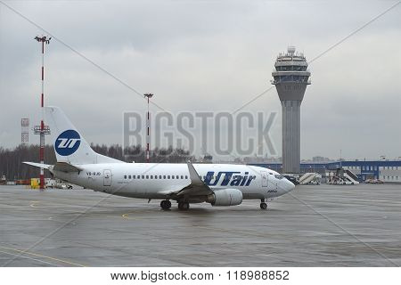 A Boeing 737-500 (VQ-BJQ) UTair aviation before departure. Pulkovo, St. Petersburg