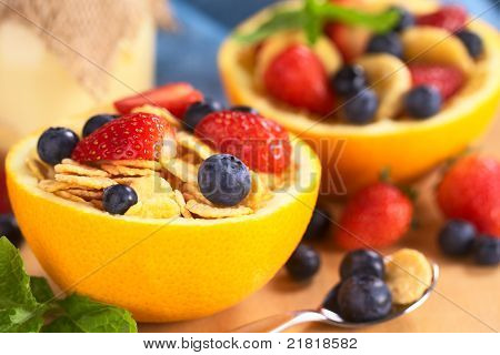 Corn Flakes with Fresh Fruits