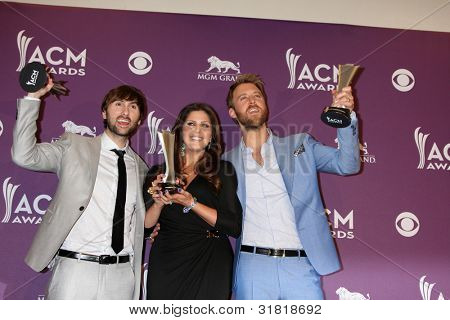 LAS VEGAS - APR 1:  Lady Antebellum in the press room  at the 2012 Academy of Country Music Awards at MGM Grand Garden Arena on April 1, 2012 in Las Vegas, NV.