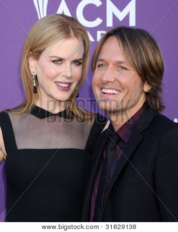 LAS VEGAS - APR 1:  Nicole Kidman, Keith Urban arrives at the 2012 Academy of Country Music Awards at MGM Grand Garden Arena on April 1, 2012 in Las Vegas, NV.