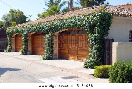 Coronadelmar Garage