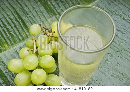 fresh healthy refreshing grape juice