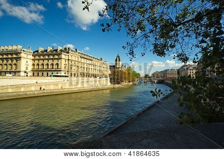 Embankment in Paris