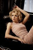 Постер, плакат: Красота богатые роскошные женщины как Мэрилин Монро