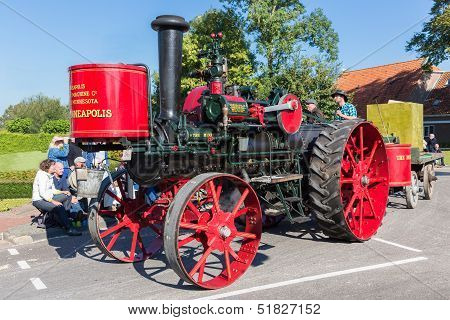 Nieuwehorne, The Netherlands - Sep 28: Old Steam Tractor In A Countryside Parade During The Agricult