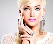 foto of pink eyes  - Portrait of beautiful woman with bright fashion makeup and white hairs - JPG