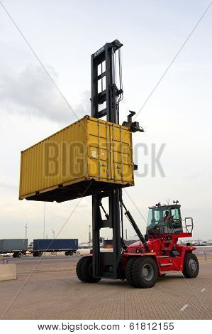 Mobile Container Spreader