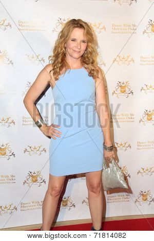 LOS ANGELES - SEP 10:  Lea Thompson at the Dance With Me USA Grand Opening at Dance With Me Studio on September 10, 2014 in Sherman Oaks, CA