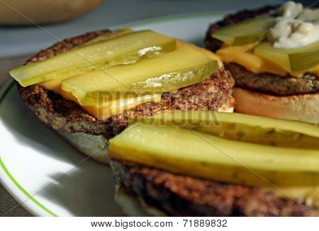 Cheeseburger With Pickle