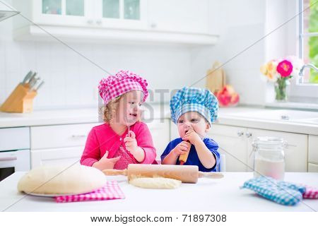Kids Baking Pie