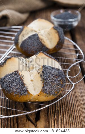 Homemade Pretzel Roll (with Poppyseed)
