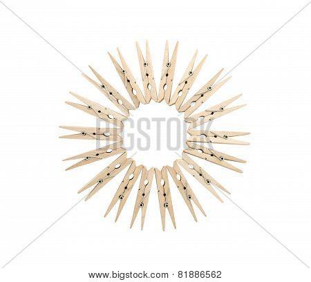 Clothespins Line Up In Circle