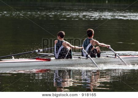 Rowers Competing