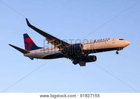 Delta Air Lines Boeing 737 Commercial Plane