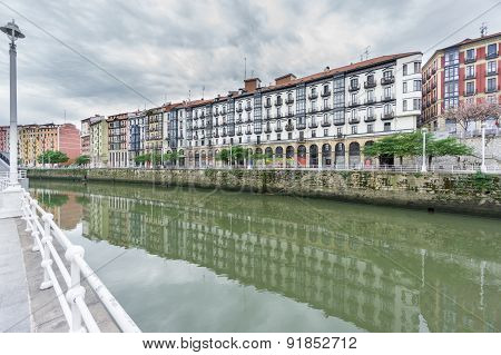 Bilbao la vieja and Nervion river