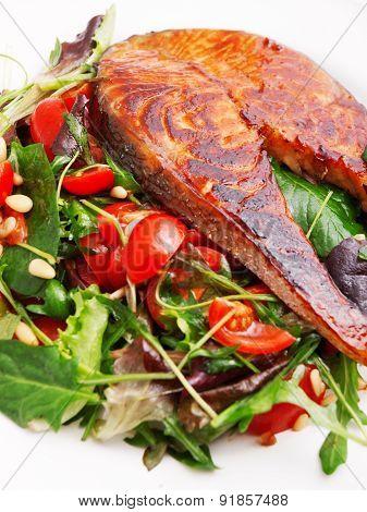 Baked Salmon With Fresh Salad