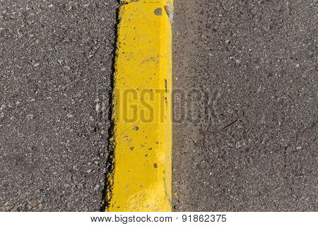 Yellow Curb Stone Border
