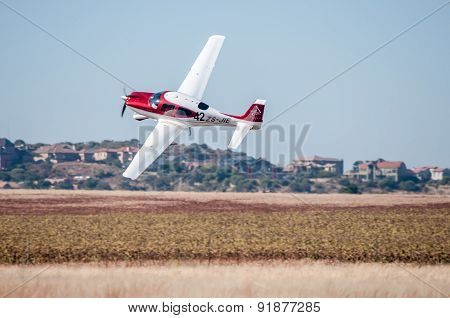 Cirrus Sr22 Take Off In The Presidents Trophy Air Race