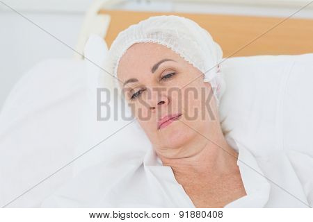 patient resting in the bed at the hospital