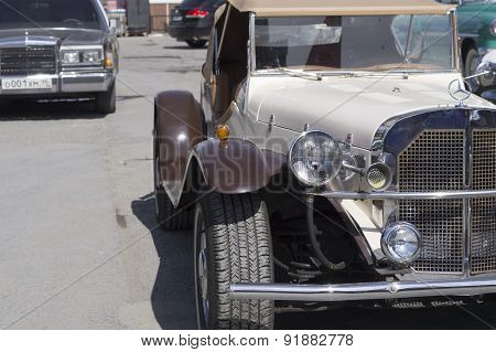 Retro car Mercedes SSK 1937 release